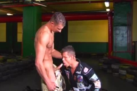 euro men engulf and jerk