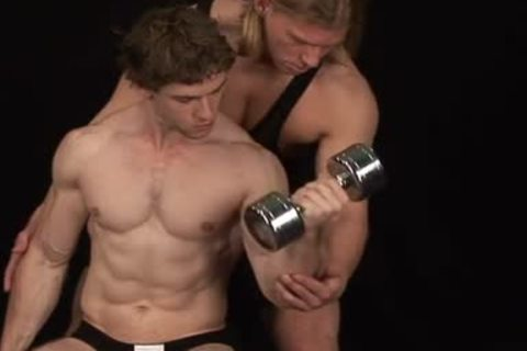 Bodybuilders wazoo group-sex