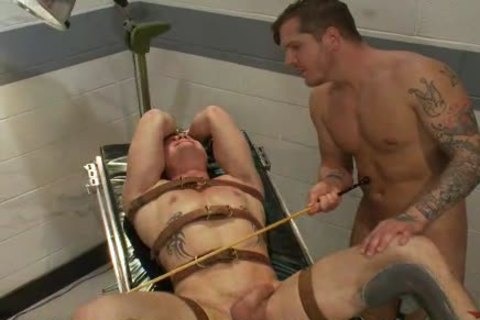 taskmaster homo boy Riding painfully On His Slaves rod