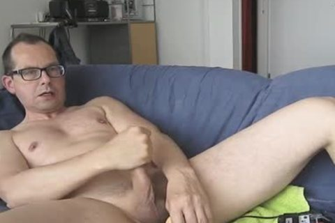 I Had enjoyment With My fake penis. The Package Of It Says; Model Jeff Stryker. Could Not Check If It Was truly A Jeff Stryker Look A Like. that man-that man.