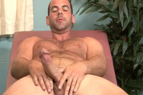 palatable homo Doctor Girth Brooks Masturbating In Office