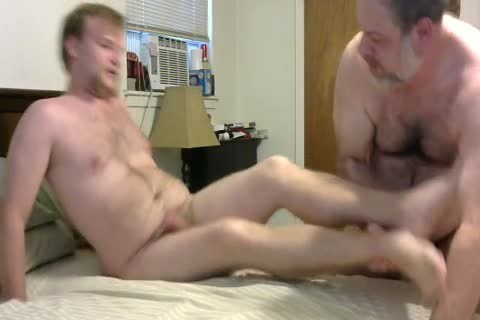 In A Last Minute Invite, WngXStpXCub Comes Over And We Enjoying blowing Each Other, ass banging His ass, giving a kiss Etc.  In This clip Is The First Time The Cub Has Taken A 10-Pounder Up His ass And that boy Handles It Like A Pornstar.  A