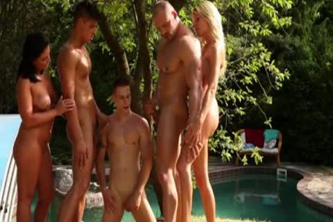 Bi Hunk sperm Showered