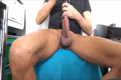 excited Poppers/make water/precum Play