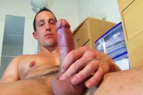 Full clip: A innocent straight Neighbour acquires Serviced His big cock By A chap!
