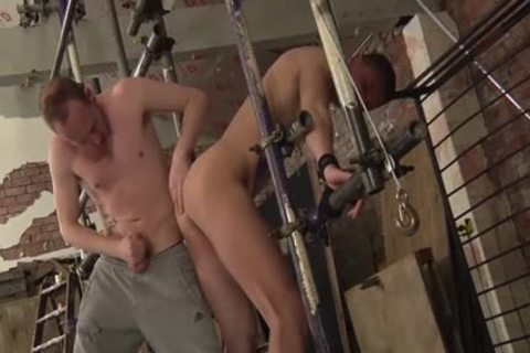 Experienced Sean Taylor Taking Run train unbending At A hardcore bdsm Session And thrashing