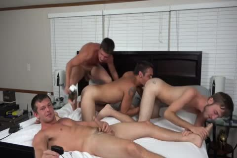 A couple AND TWO allies plowing ON webcam
