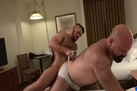 Muscle Bear bare With sex cream flow