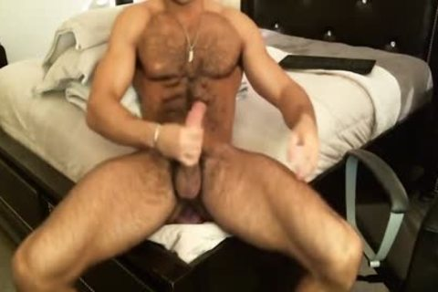Hunk Sean Zevran dildos His wazoo And Cums On web camera