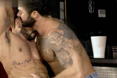 Muscle homosexual oral-sex With cumshot