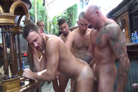 MusclePup Logan Moore receives group team-banged & Barebacked nail