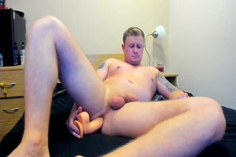 beefy British lad Plays With vibrator On cam