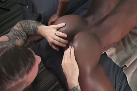 White Bull Destroys black twink aperture