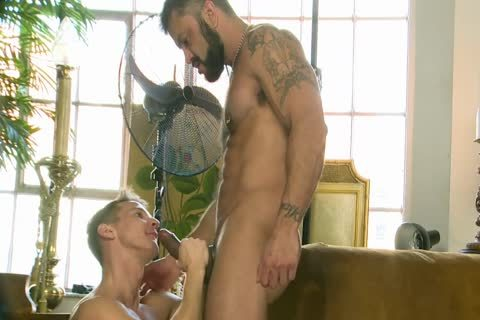 Rogan Richards drills Darius Ferdynand