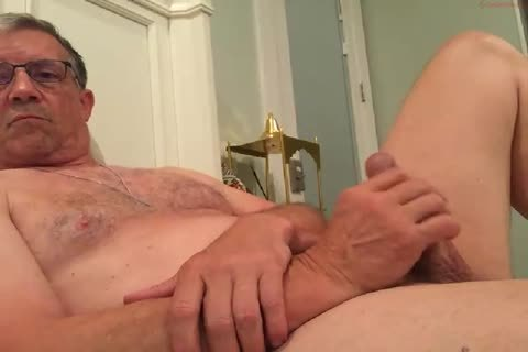 gigantic Dicked daddy jerking off 010