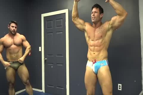 Muscle males Zach & Joey Wrestle