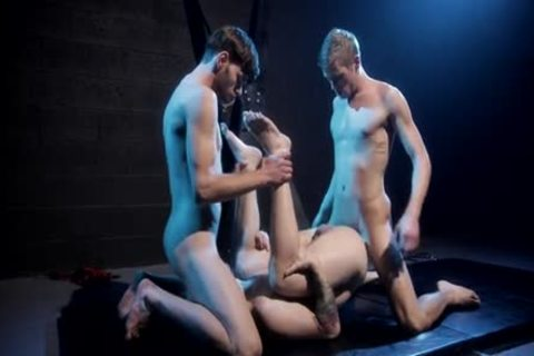 nail Club - Dalton Briggs, Ty Thomas & Scotty Zee bare