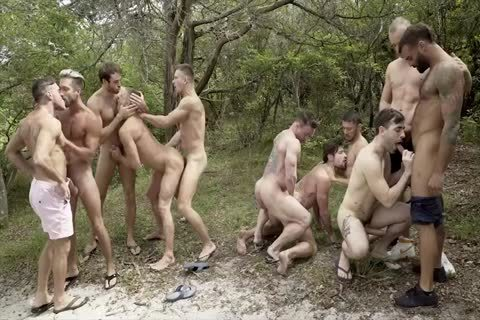 Mega Outdoor Groupsex (To Be Continued)