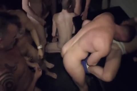 Public schlong Full video