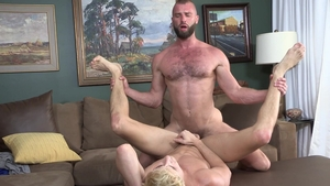 Family Dick - Taylor Reign & hairy Donnie Argento deepthroat