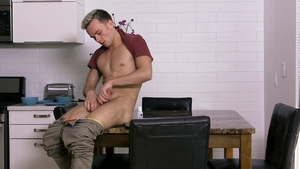 FamilyDick - Bubble butt Logan Cross whip