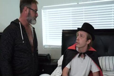 hirsute Stepdad acquires His 10-Pounder Sucked By Son