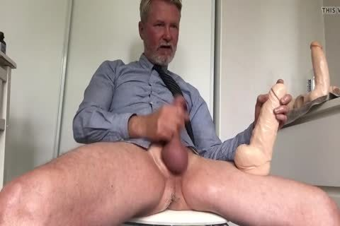 Daddy Cuming With gigantic vibrator Inside
