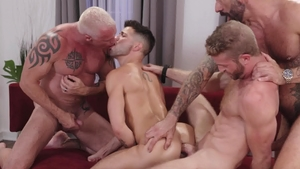 IconMale.com - Inked Link Parker and Ryan Carter blowjob cum