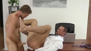 IconMale - Muscled Wesley Woods & Michael Roman blowjob