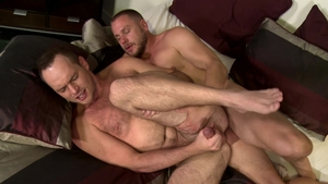 MenOver30 - Devin Adams impressed by uncut cock Hans Berlin