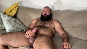 MenOver30.com: Hairy Alex Tikas homemade receiving facial