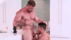 HotHouse: Hunk Beaux Banks beside Austin Wolf gagging