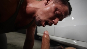 BROMO - Piercing and muscle Skyy Knox spanking