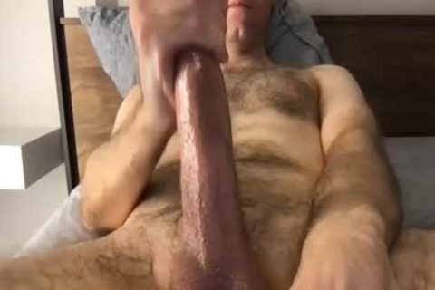 bushy stroking chap In webcam